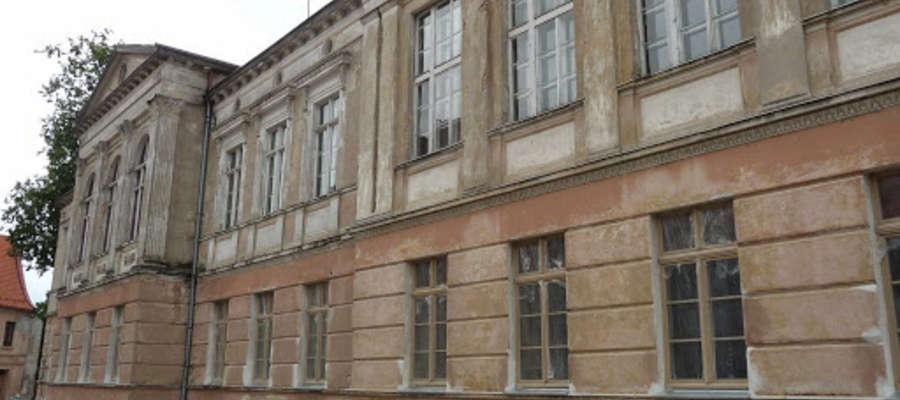 Dzięki dotacji wyremontowano budynek byłego kolegium jezuickiego. Dziś mieści się tam prowadzony przez Helper Środowiskowy Dom Samopomocy.