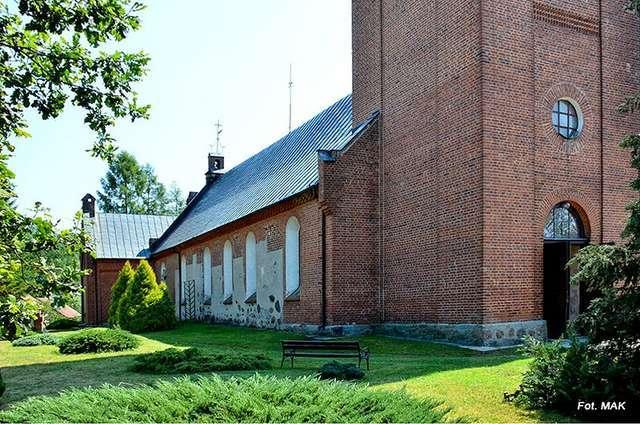Lechowo: kościół p.w. Jana Chrzciciela - full image