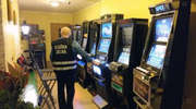 Automaty do gier i punkt sprzedaży papierosów z przemytu. Obiekt był pilnie strzeżony