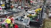 Barbarzyństwo na ełckim cmentarzu. Wandale zniszczyli ponad 100 grobów. Prezydent wyznaczył nagrodę za złapanie sprawców