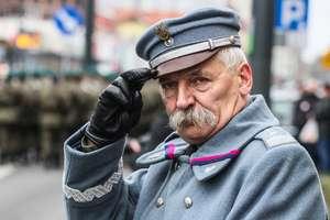 Marsze, defilady i apele. Święto Niepodległości w Olsztynie i całym województwie [FILM i ZDJĘCIA]