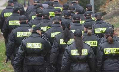 Policyjny mundur już nie taki atrakcyjny? Policja szuka chętnych do pracy wśród... bezrobotnych