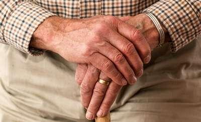 Informator ma pomóc olsztyńskim seniorom