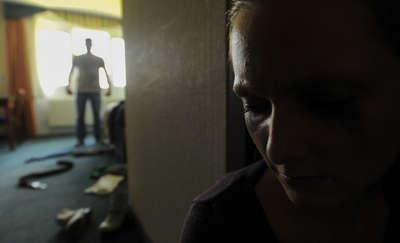 28-latek od dwóch lat znęcał się nad swoją matką
