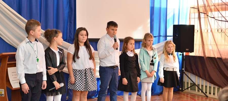 Uczniowie wystąpili z programem artystycznym fot. Anna Bonisławska