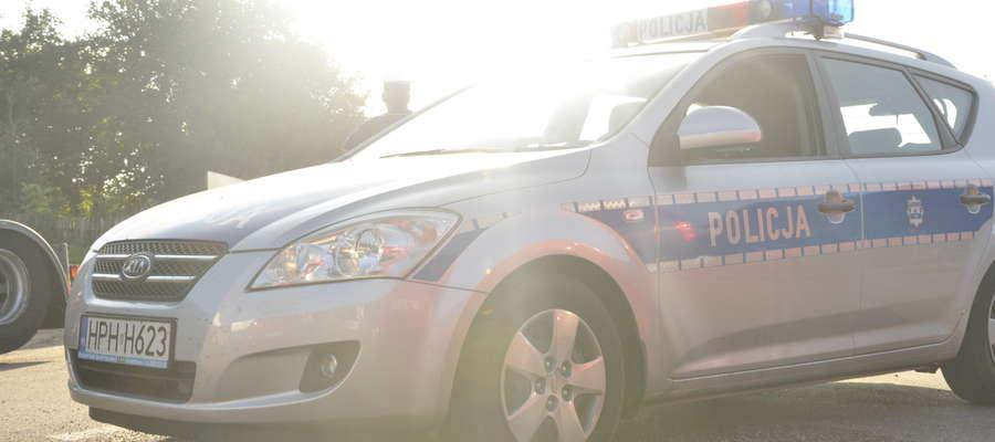 W czasie długiego weekendu patrole policji czuwały nad bezpiecznymi powrotami do domów fot. arch
