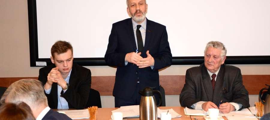 – Trzeba wykonać tę inwestycję – przekonywał podczas sesji wójt Marek Nitczyński