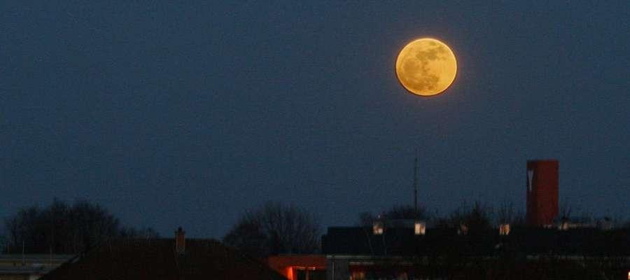 Superksiężyc nad Münster 19 marca 2011 r.