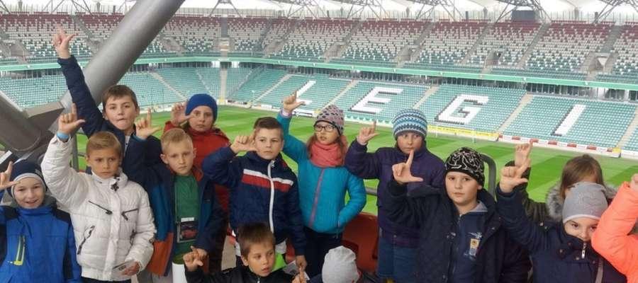 Pamiątkowe zdjęcie na stadionie Legii