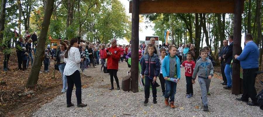 Mieszkańcy na otwarciu 30 września Fot. UG Lubowidz