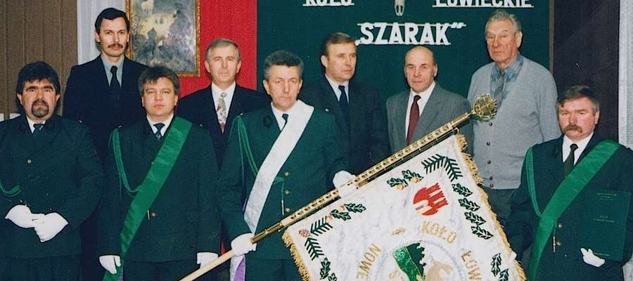 """Zarząd koła """"Szarak 20 lat temu podczas uroczystości 50-lecia"""