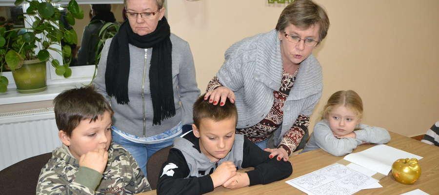 Rodzinne czytanie baśni w Wieliczkach