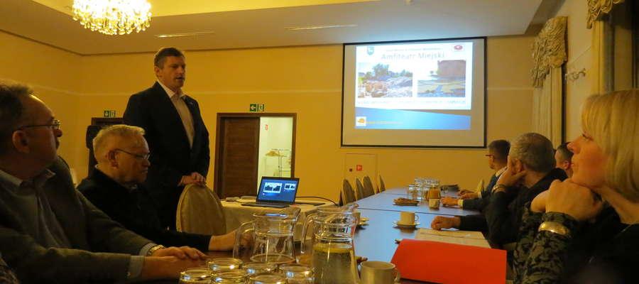 Warmińskie Stowarzyszenie Przedsiębiorców gościło burmistrza na swoim comiesięcznym spotkaniu