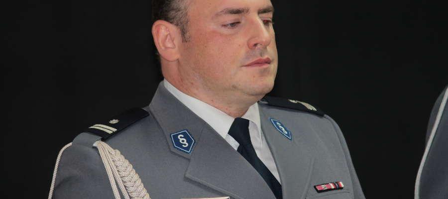 """Podinsp. Przemysław  Fiertek nie jest już """"pełniącym obowiązki"""". Został powołany na stanowisko Komendanta Powiatowego Policji w Bartoszycach."""