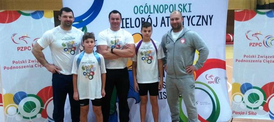 Ekipa z Kurzętnika z medalistami Igrzysk Olimpijskich Szymonem Kołeckim i Bartłomiejem Bonkiem