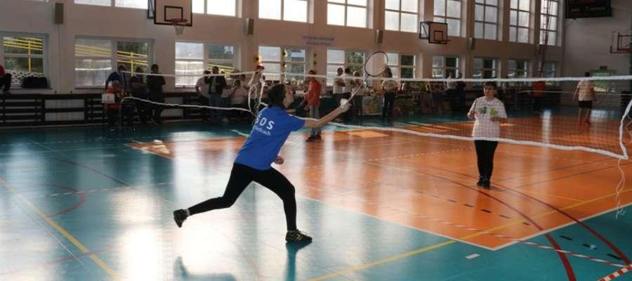 Rozgrywki badmintona niepełnosprawnych w Wilkasach
