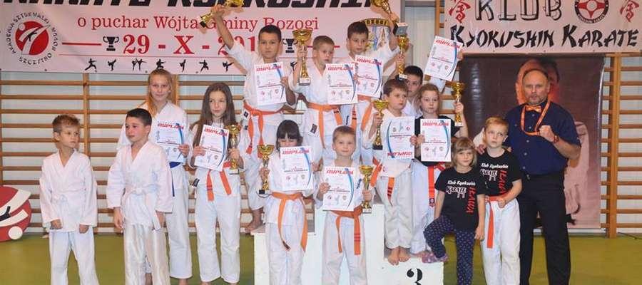 Ekipa Iławskiego Klubu Kyokushin Karate na turnieju w Rozogach