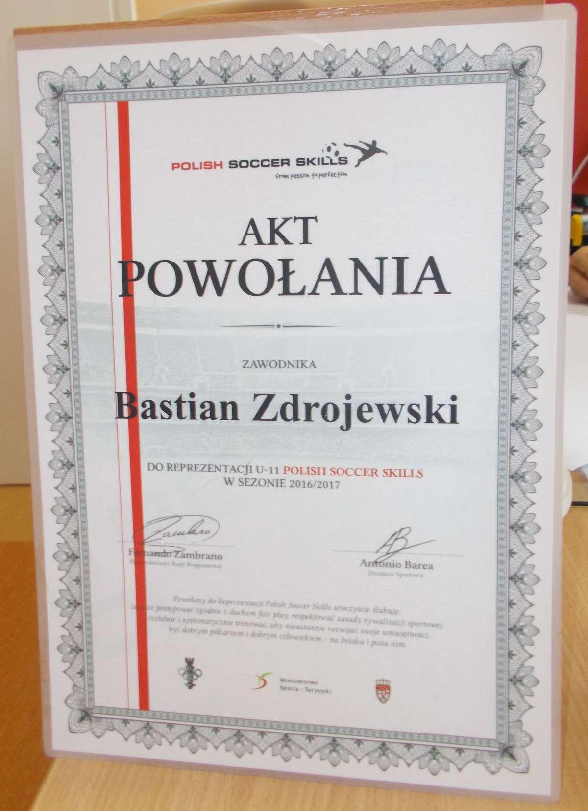 Bastian Zdrojewski dobrze gra w piłkę nożną