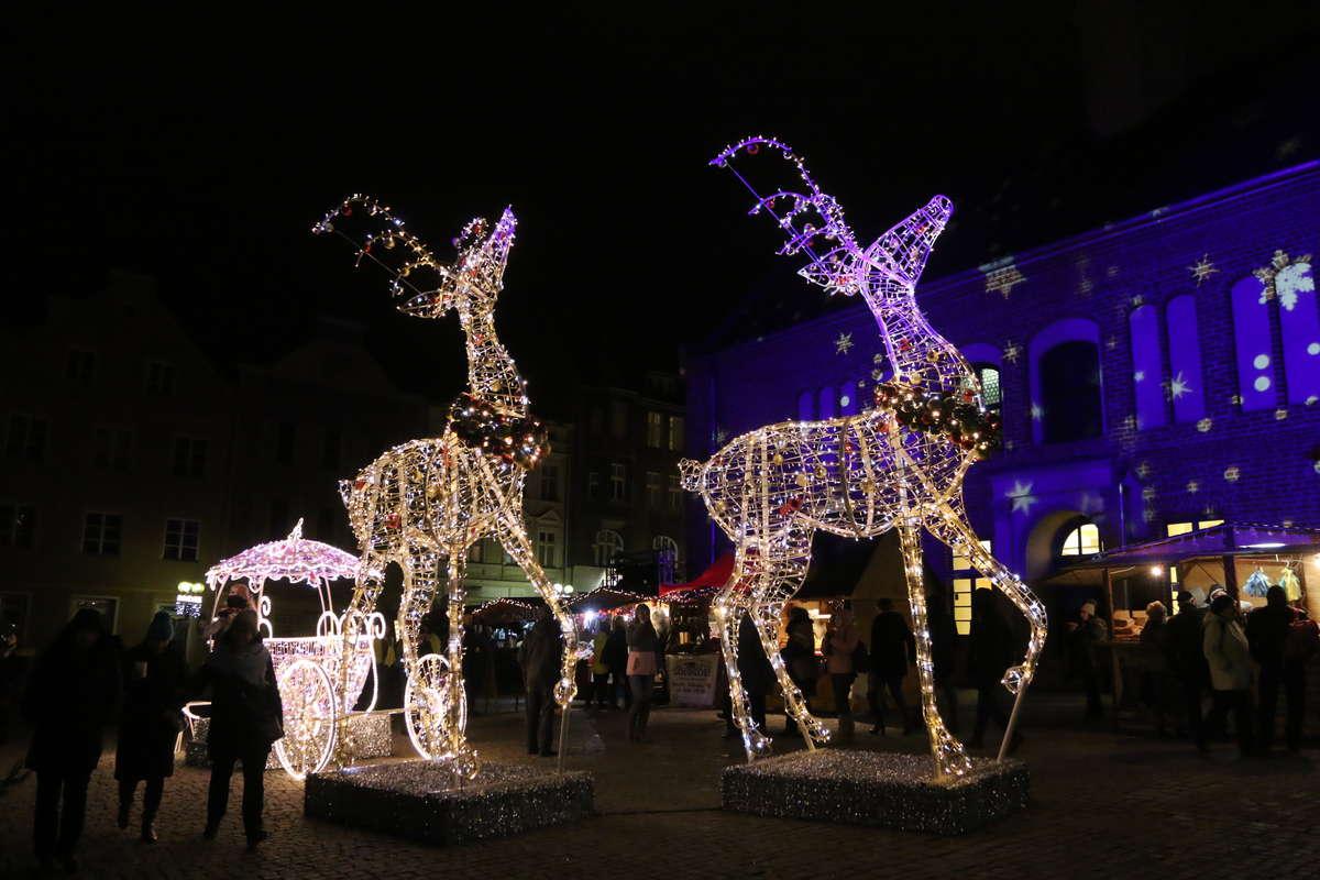 VIII Warmiński Jarmark Świąteczny! Moc atrakcji na olsztyńskiej starówce [FILM] - full image