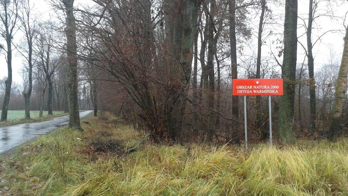 Tablica przed jednym z oznakowanych obszarów - Ostoją Warmińską - full image