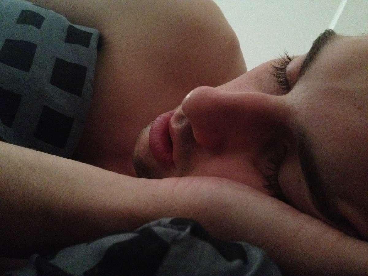 Chcesz zapomnieć o trudnym dniu? Lepiej nie śpij! - full image