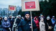 Protestowali przeciwko rządowi PiS przed pomnikiem Ofiar Grudnia '70 [zdjęcia]