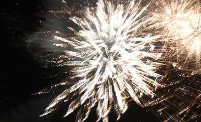 Odpalasz fajerwerki jeszcze przed nowym rokiem? Robisz to nielegalnie