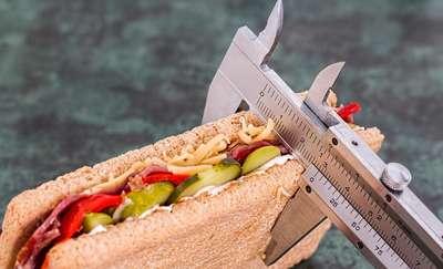 Grzeszki żywieniowe, które rujnują dietę