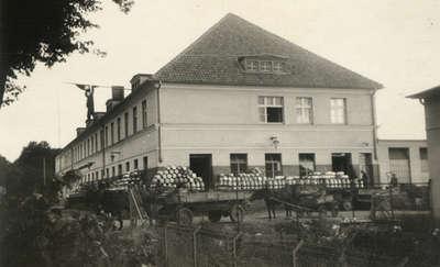 Wspomnienia 30 - 40 latków. Tekst z muru mleczarni w Bartoszycach