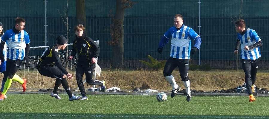 Większość meczów zostanie rozegrana na boisku ze sztuczną nawierzchnią w Ostródzie