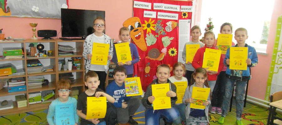 Dzieci otrzymały dyplomy i nagrody fot. organizatorzy