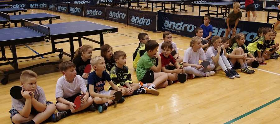Najmłodsi zawodnicy ostródzkich Morlin spotkali się w hali OCSiR na Turnieju Mikołajkowym