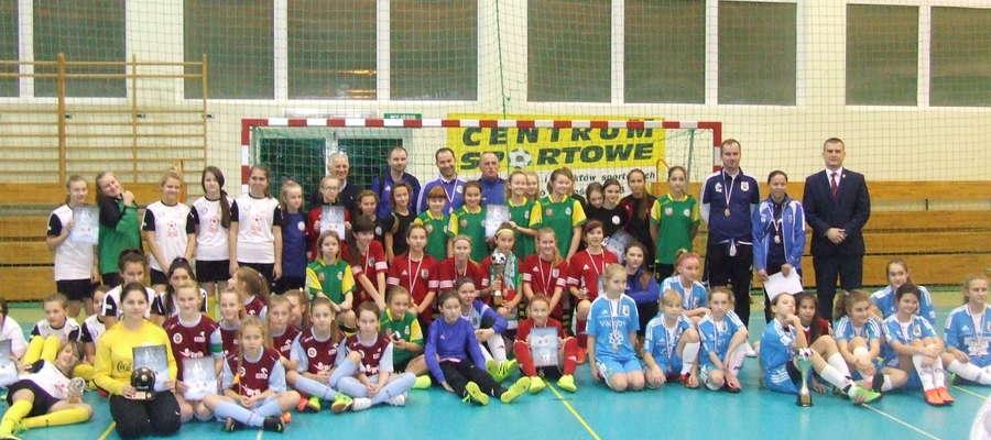 Iłowo: turniej halowej piłki nożnej dziewcząt rocznika 2004