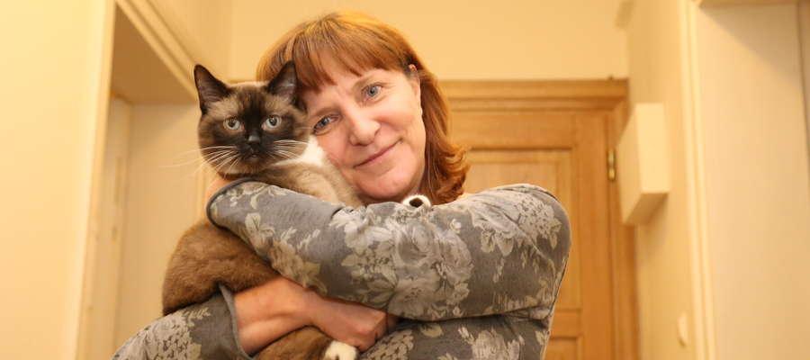 Elżbieta Krywko, prezes Klubu Miłośników i Hodowców Kotów Club 4 Cats i pomysłodawczyni stworzenia kociej kawiarni w Olsztynie.