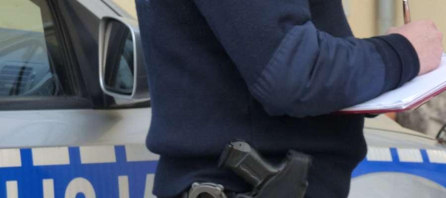Policjanci przestrzegają, głównie starsze osoby, by nie dały się nabrać