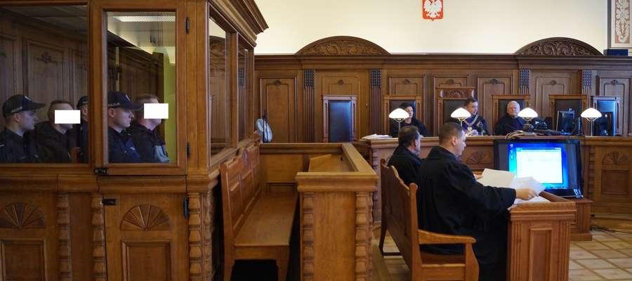 Oskarżonym mężczyznom grozi do 15 lat więzienia