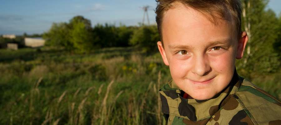 Wiktor miał 1,5 roku, kiedy lekarze wykryli w jego brzuchu guz. Nowotwór został usunięty, ale chłopiec wciaż wymaga opieki medycznej.
