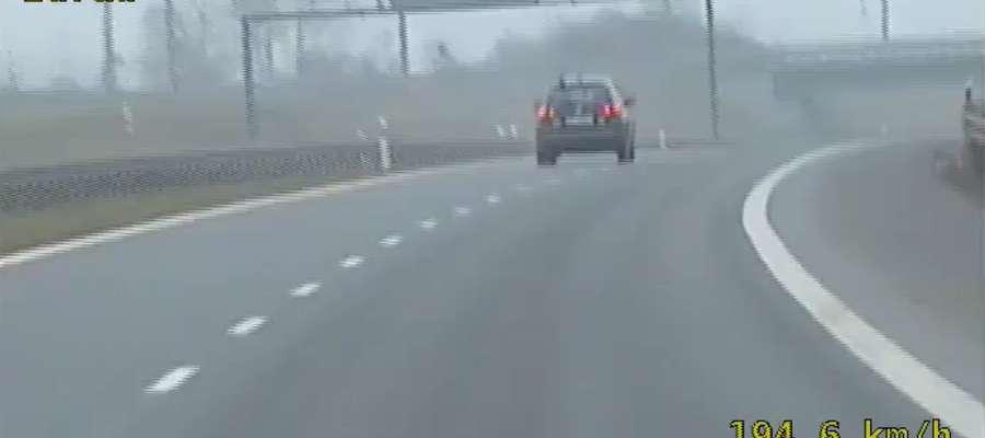 Ponad 200 km/h na ekspresówce. Przez taką jazdę stracił prawo jazdy [film]