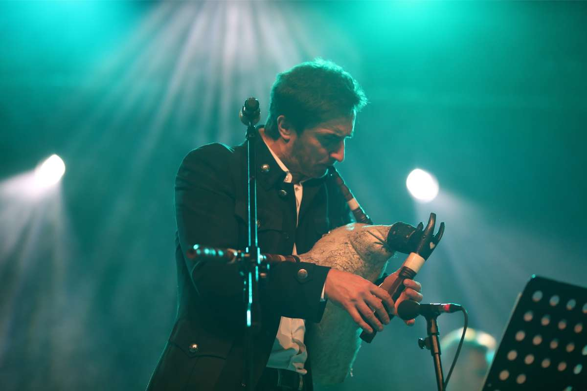 Wspaniały koncert na 25-lecie. Zakopower w elbląskim teatrze [zdjęcia] - full image