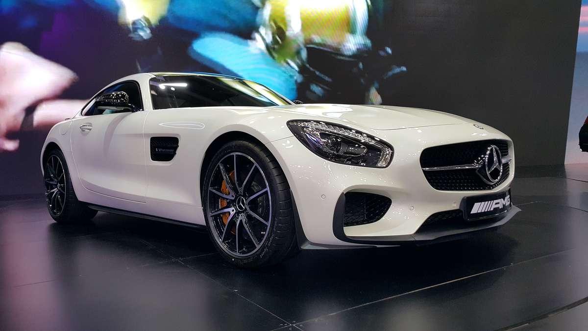 Niemcy wybierają auta srebrne, szare, czarne i białe - full image