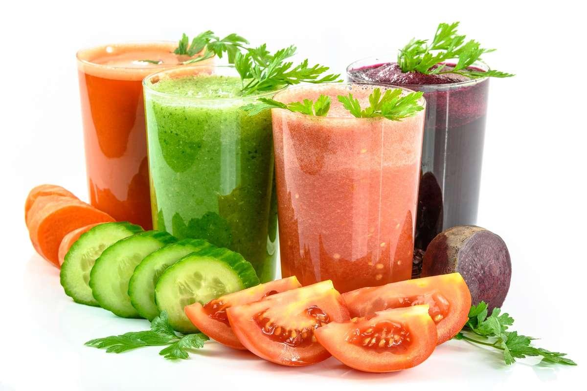 Dlaczego warto pić soki owocowe i warzywne? - full image