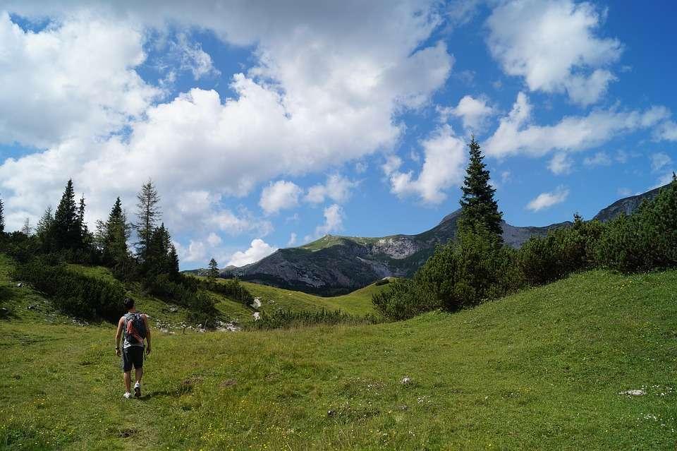 Pogłówkuj i zaplanuj już dziś wiosenne wędrówki po górach. - full image