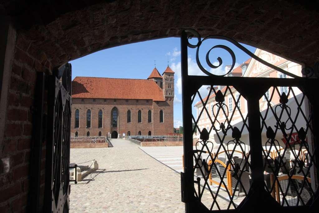 Zamek biskupów w Lidzbarku Warmińskim - jeden z najcenniejszych zabytków Warmii i Mazur - full image