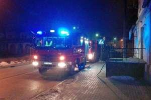 Tragiczny pożar piwnicy w kamienicy przy 1 Maja. Strażacy znaleźli zwęglone zwłoki mężczyzny