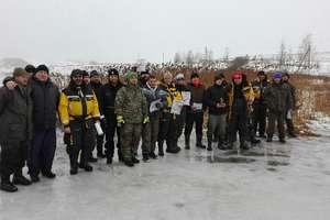 Służby mundurowe na lodzie