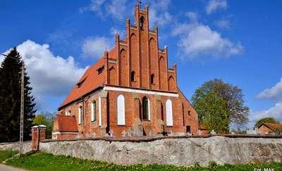 Henrykowo: kościół p.w. św. Katarzyny i Najświętszego Serca Jezusa