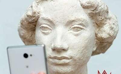 Muzeum Selfie Day. Zrób sobie selfie z dziełem sztuki