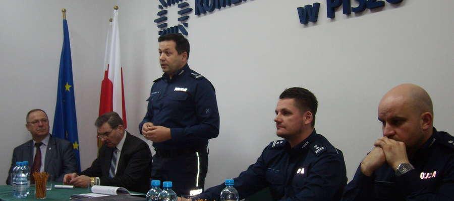 Roczna odprawa w KPP w Piszu z udziałem Komendanta Wojewódzkiego Policji w Olsztynie