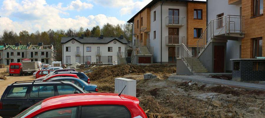 Zmiany w prawie budowlanym dotyczą budynków konstruowanych po 1 stycznia 2017 r. Normy są wyśrubowane, ale wystarczy np. zwiększyć grubość warstwy izolacyjnej.