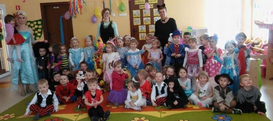 """Przedszkole """"Słoneczny Zakątek"""" w Pieckach - bal karnawałowy"""